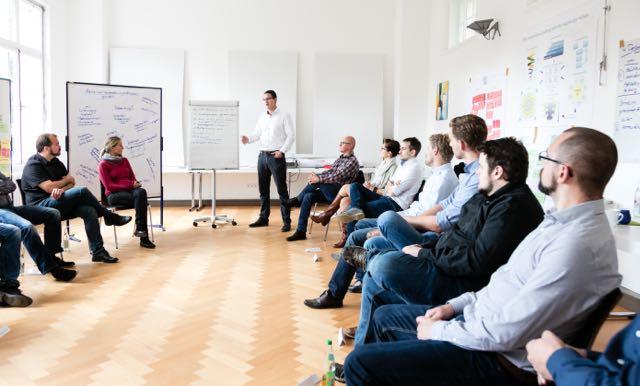 Das Team von CE-CON bei einem Workshop